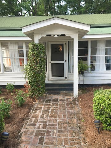 Charming early 1900's cottage. - Magnolia Springs - Casa