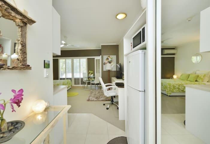 STYLISH STUDIO @ RAMADA RESORT - Port Douglas - Apartment