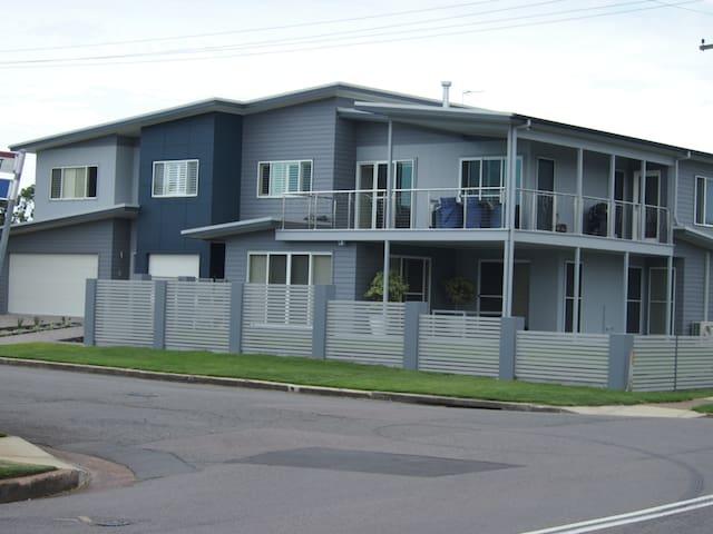Modern ground floor unit - Stockton - Leilighet