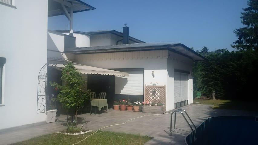 luxury villa with pool close to Vienna - Wiener Neustadt - Vila
