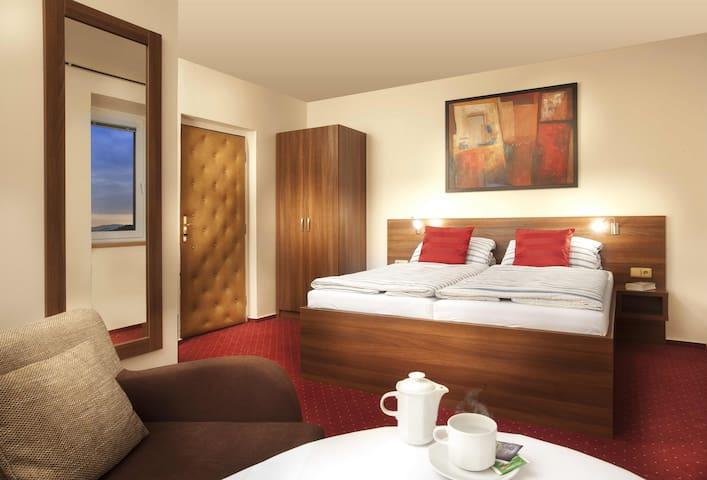 2-bedroom with king-size bed - Beroun - Inap sarapan