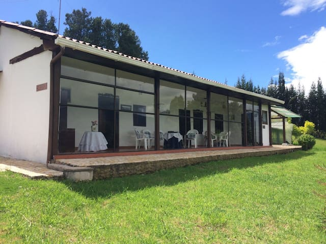 Cozy cabin with great view. - Sotaquira - Dom