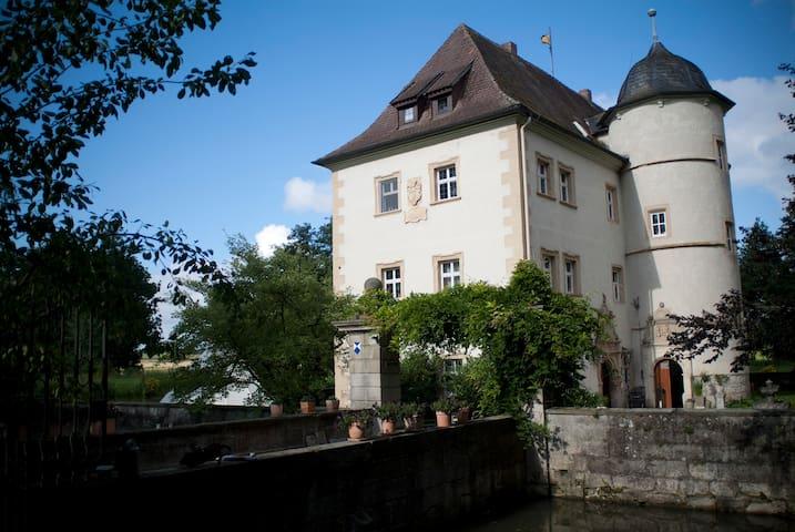 Wasserschlösschen in Franken - Sulzfeld-Kleinbardorf - Daire
