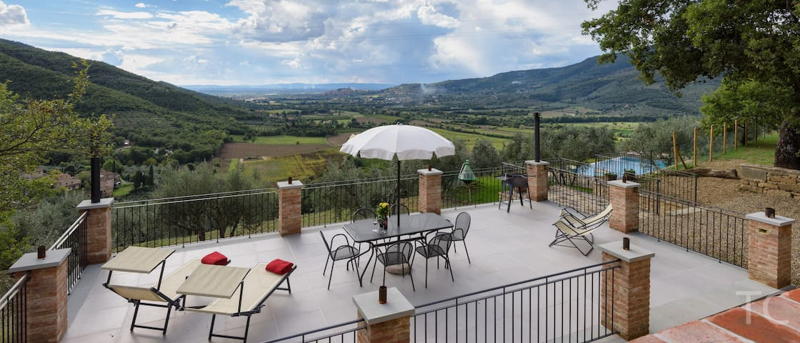 """April & May offers. """"WoW""""  Fabulous Family Home - Castiglion Fiorentino"""