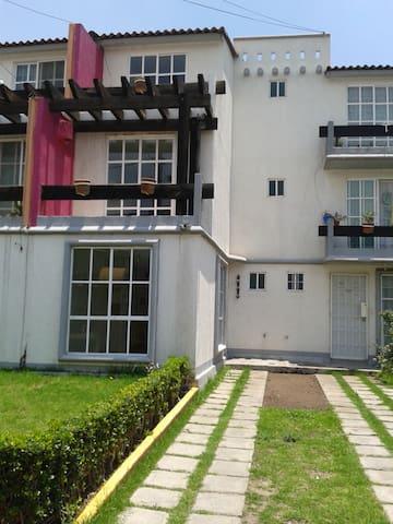 2 Beautiful room balcony - Tultepec