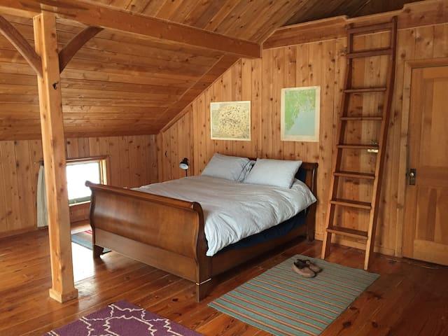 Historic Berkshires Cabin in Mount Washington - Mount Washington - Dům pro hosty