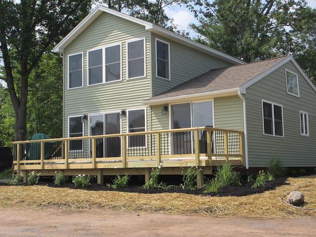 North Shore Peace-Oneida Lake $1250 - Cleveland - Hus