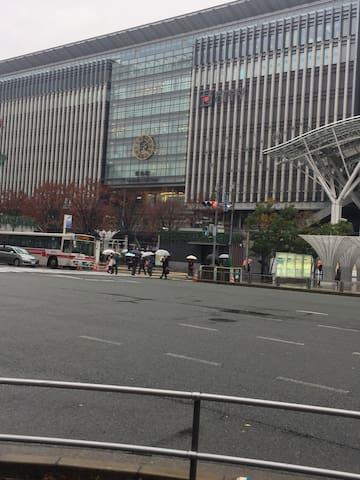 距离博多站5分钟,交通便利,房间整洁、温馨。是您旅行的首选住处。 - Fukuoka-shi - Leilighet