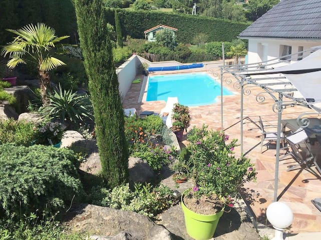 Chambre - villa avec piscine, EURO 2016 St-Etienne - Villars - Villa