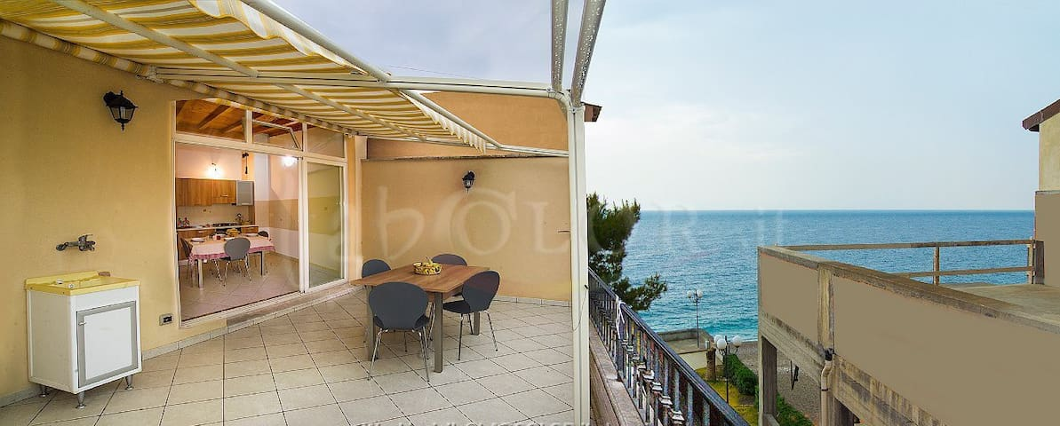 APPARTAMENTO 10 METRI MARE TAORMINA - Mazzeo - Apartment
