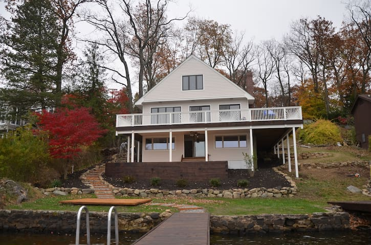 Lake House on spectacular Byram Bay - Hopatcong - Hus