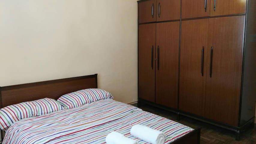 Habitación privada en Comarca de Pamplona - Berriozar - Departamento