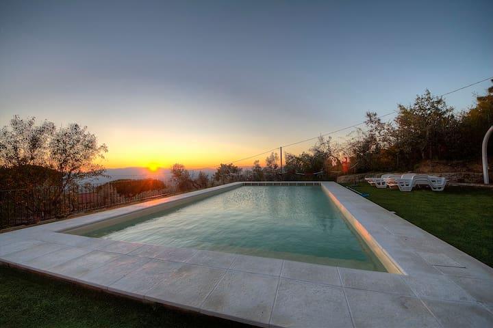 Casa vacanze  panoramica Reggello - reggello - アパート