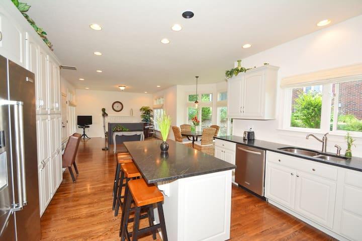 5000 Sq. Ft. luxury home - Indianapolis - Casa