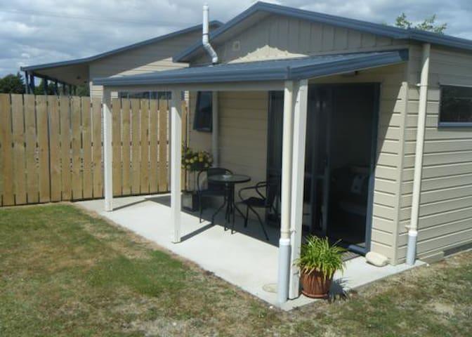 Huia's Nest - Manapouri - Huis