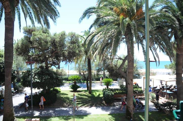 Piccolo angolo di paradiso - direttamente sul mare - Finale Ligure - Daire