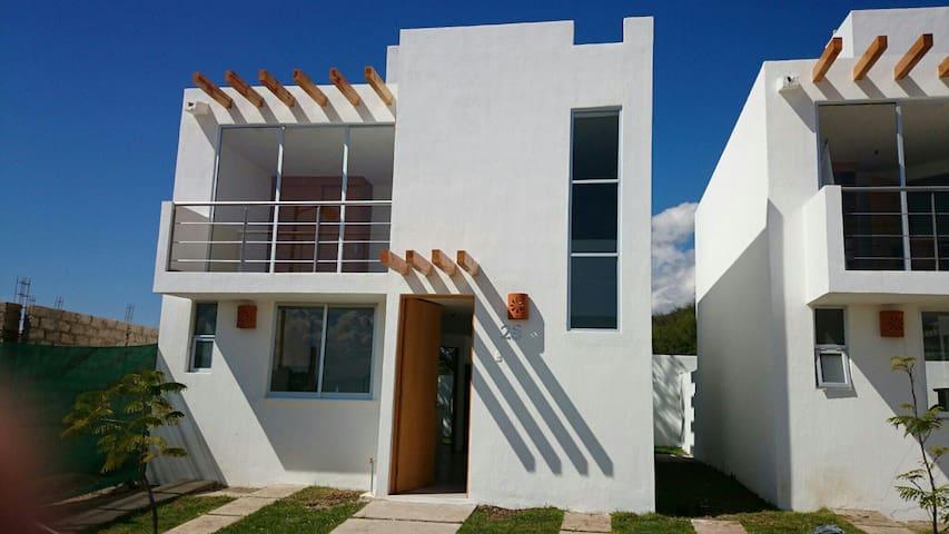 Linda casa for Weekend, Jardin alberca campo vista - Chapala - Talo