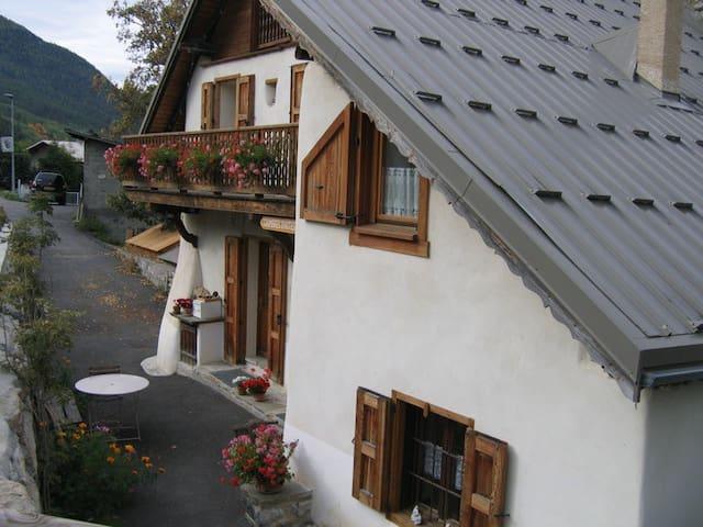 chambre d'hôte, maison avec sauna - Villar-Saint-Pancrace - Departamento