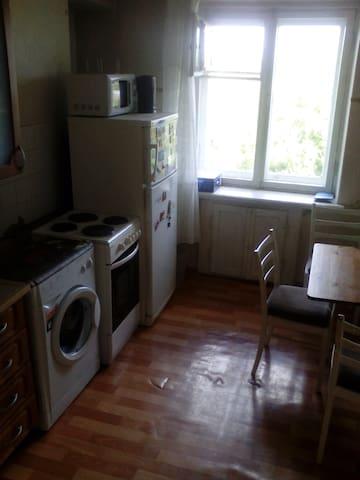 2-r Apartment in Akademgorodok, near NSU, forrest - Novosibirsk - Appartement
