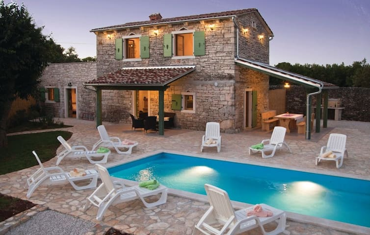 Stone house Villa Ambrogino in Central Istria - Banki - Βίλα