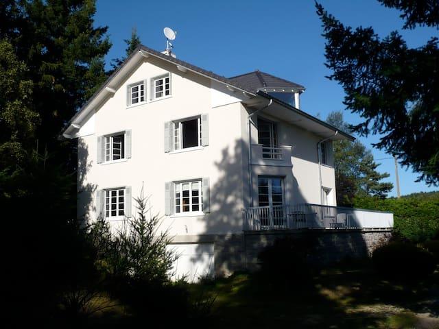 maison de famille Parc et tennis - Le Chambon-sur-Lignon - Ev