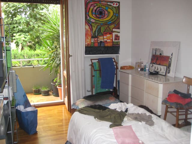 nice room in a neat flat - Albignasego - Appartement
