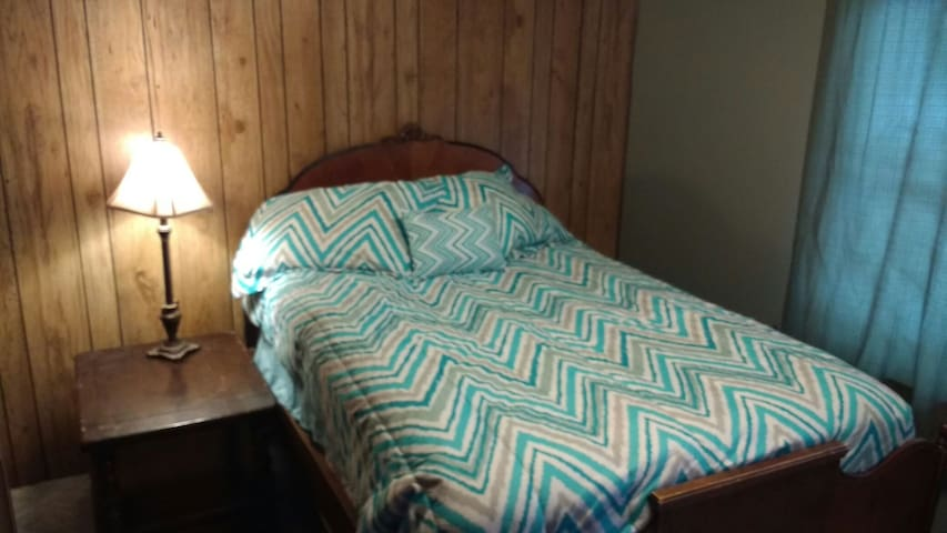 Cozy room in friendly house near all the skiing! - Gunnison - Haus