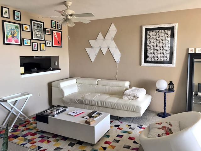 High rise in the heart of Uptown! - Albuquerque - Departamento