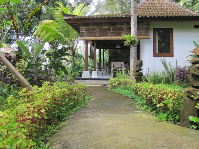 Quiet and relax guest house in Ubud - Tegallalang - Bed & Breakfast