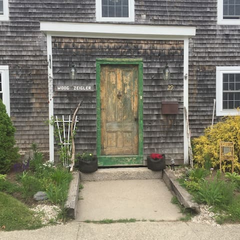 Private room in house built 1810. - Eastport