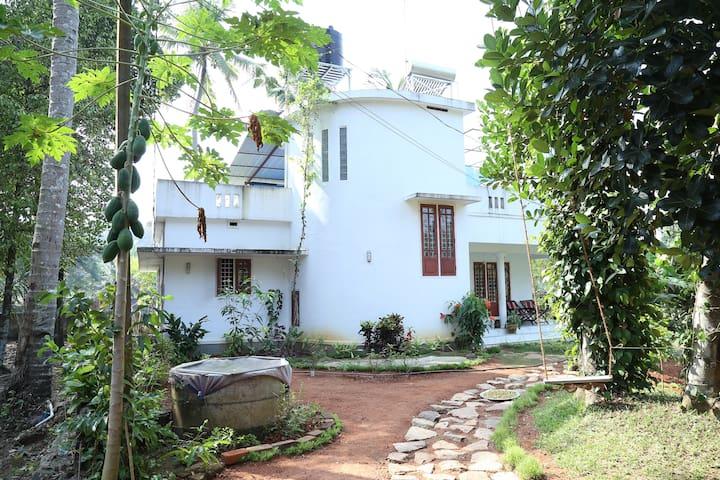 Travancore Foods Parameswarath, - Thiruvalla - Wikt i opierunek