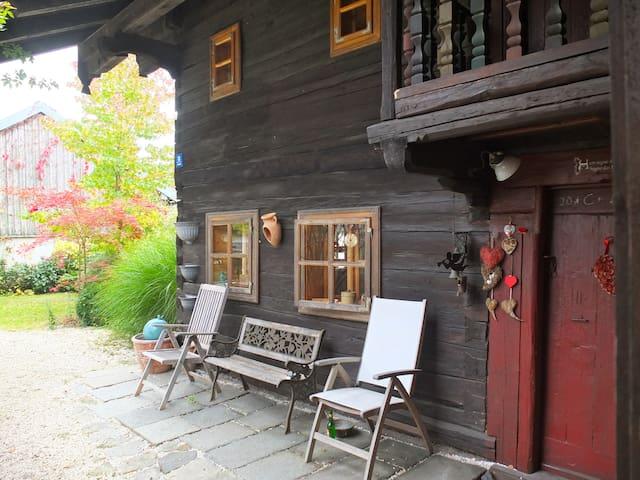 Bauernhaus Bayerischer Wald. Anno 1740. - Schöllnach - Rumah
