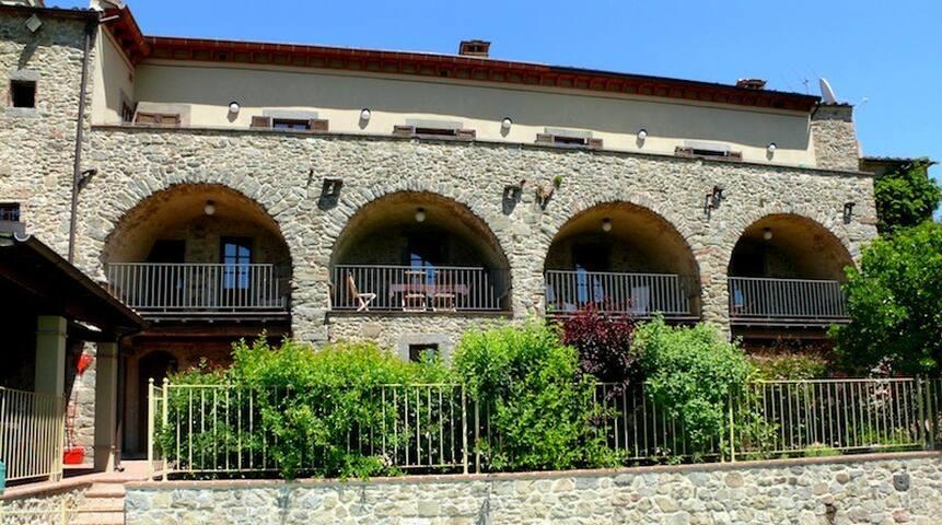 Terrazzo Villa Apartment Sleeps 6 - Lugliano - Villa
