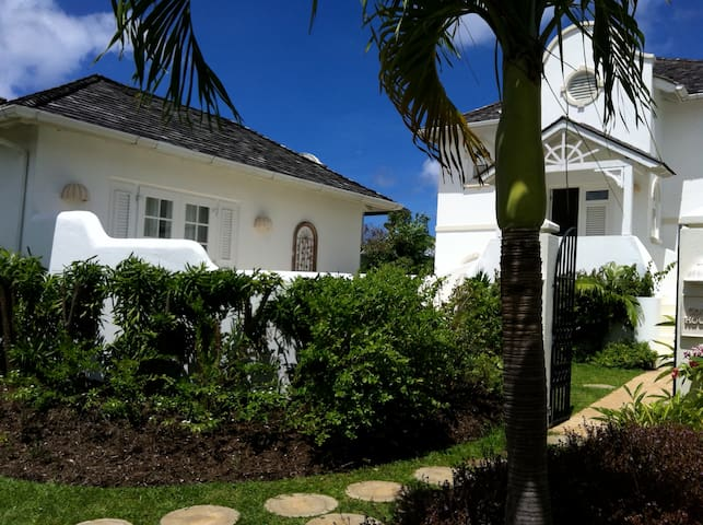 3 Bdrm Beautifully designed St James house. - Holetown - Haus