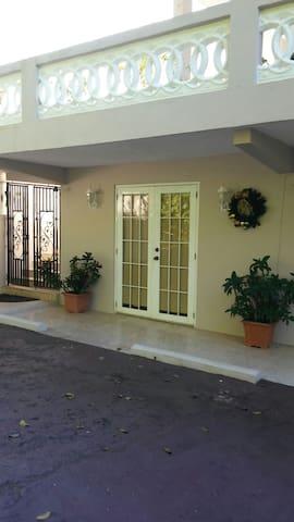 Peaceful Apt # 2 in the hill/Caguas - Caguas - Lägenhet