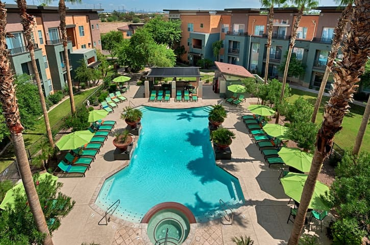 Pro Bowl and Super Bowl Getaway - Peoria - Appartement