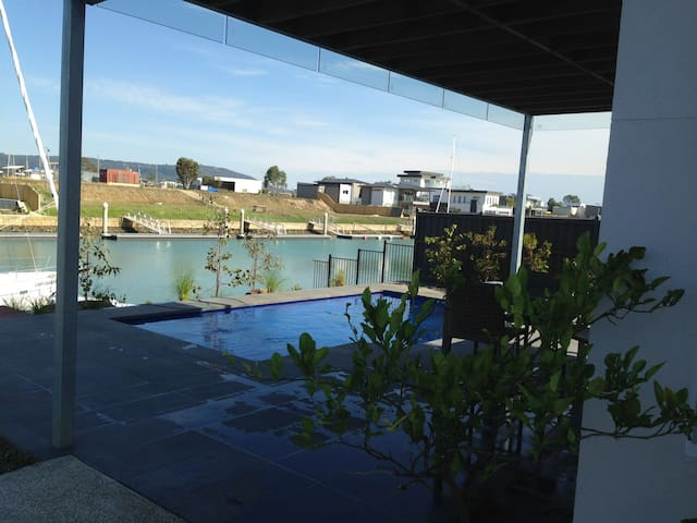 Canal Apartment - Safety Beach - Apartament