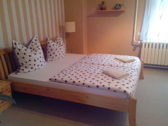 Gästezimmer BIKERs INN Lebus - Lebus - Bed & Breakfast