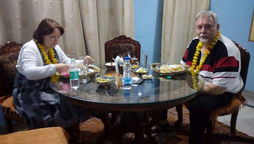 Sunita Home Stay  (Near Taj Mahal ) - Agra - Bed & Breakfast