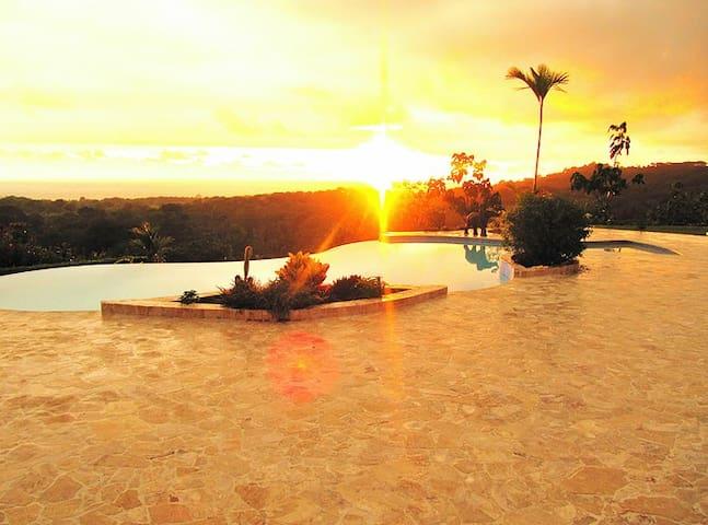Stunning Ocean and Mountain Views of National Park - Puntarenas - Leilighet
