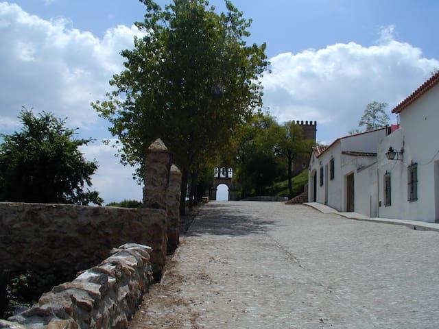 Apartamento junto al Castillo de Aracena - Aracena - Huoneisto