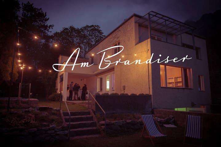 """Am Brandiser"" - Vaduz - 別荘"