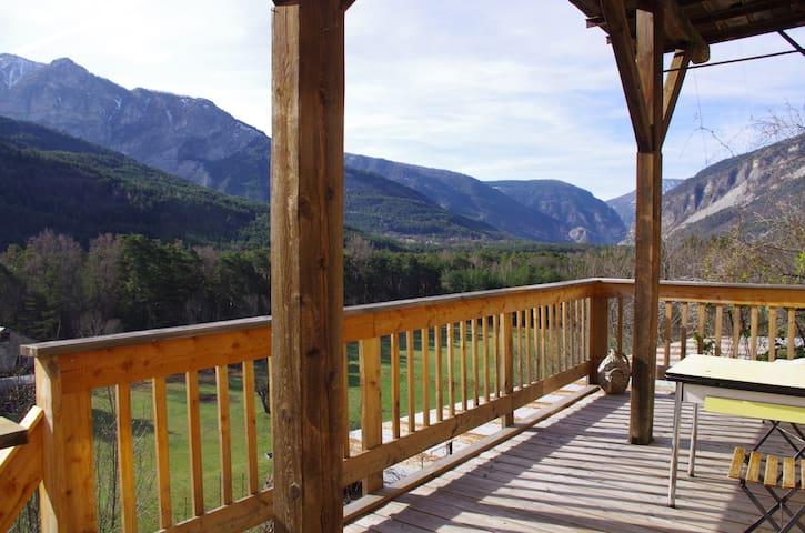 Belle vue, randonnée  et ski au soleil - Beauvezer - Daire
