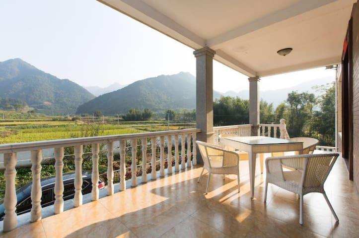 """6个房间可住12人!那山那水那田野那花那牛奶般新鲜空气""""那山间乡宿 东楼"""" - Hangzhou - Villa"""