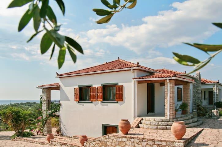 Peaceful apartment with terrace - Agios Ilias