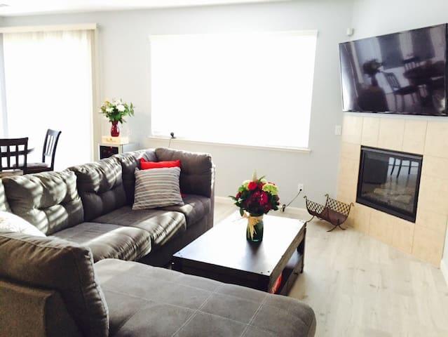 COZY Room: Clean, Comfy & Safe - Vacaville - Hus