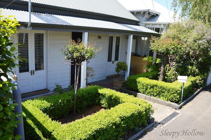 Sleepy Hollow - Geelong West - Casa