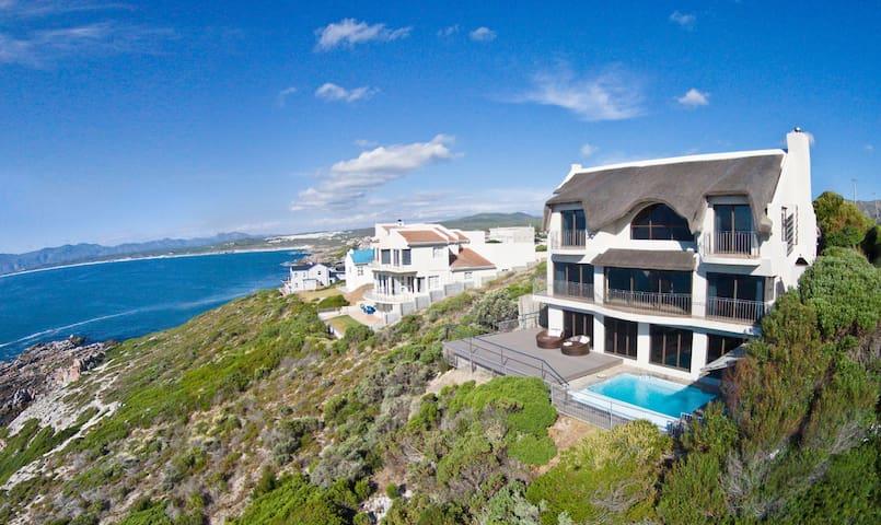 Oceanfront Villa 4br/4ba pool  wifi - De Kelders - Villa