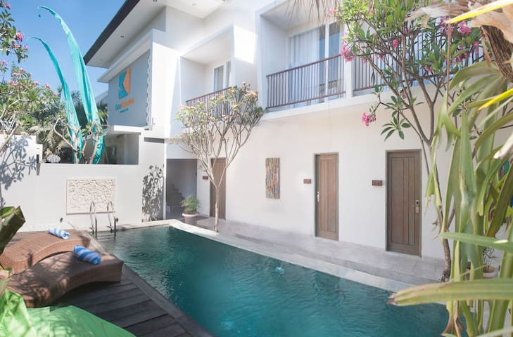 Central seminyak walk to beach - North Kuta - Bed & Breakfast