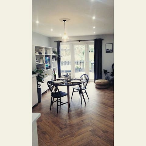 Modern Scandinavian style 1BD flat - Hertford Heath - Leilighet